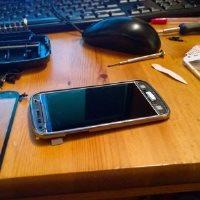 Mythe ou réalité : réparer seul l'écran cassé de son iPhone ou de son Galaxy  ?